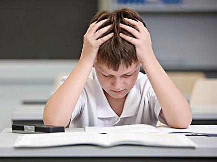 孩子厌学了,家长不要过度焦虑与控制-青少年心理-厌学