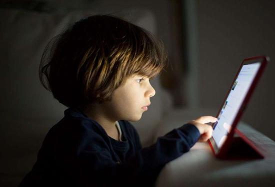 会明心理:从这几点看孩子是否有网瘾
