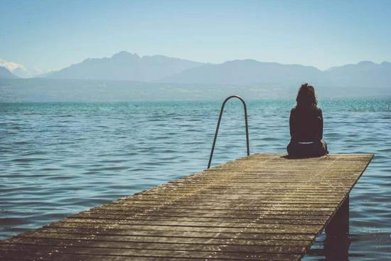 会明心理:导致社交焦虑的元凶并不是内向